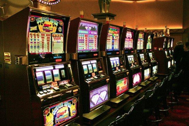 Игровой аппарат  Чукча в казино PlayAmo