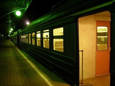 Девочка в вагоне поезда