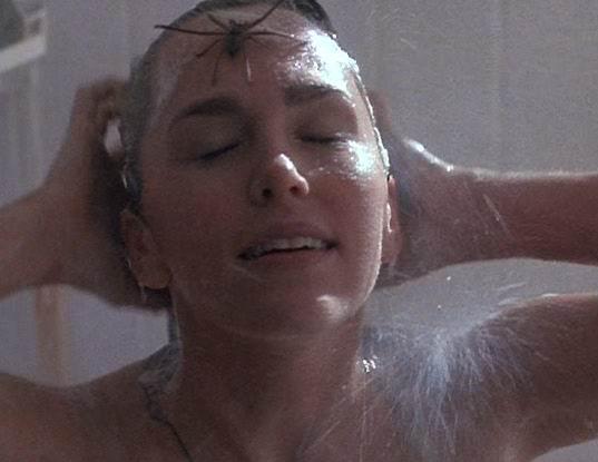 Пауки в ванной