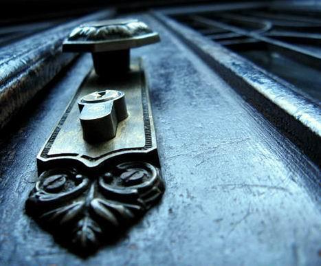 Не открывайте двери