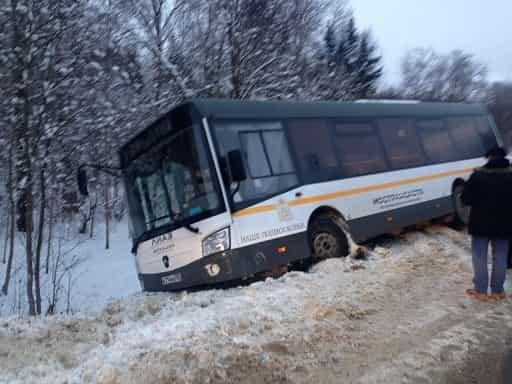 Автобус перевернулся в Солнечногорске