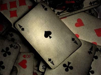 Как гадать на игральных картах? Простое и цыганское гадание.