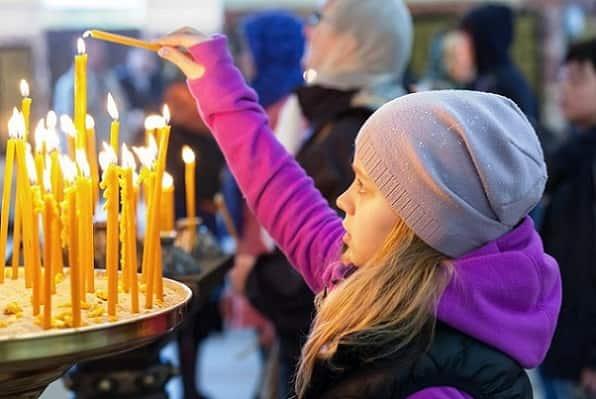 Как ставить свечи в церкви Вера и надежда  картинка
