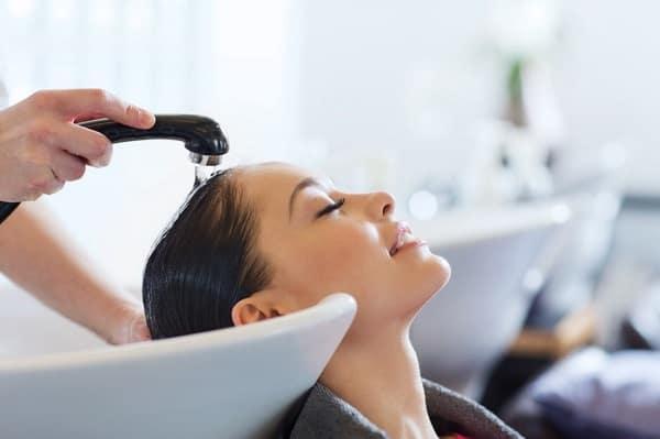 Можно ли беременным стричься и красить волосы? Приметы  картинка