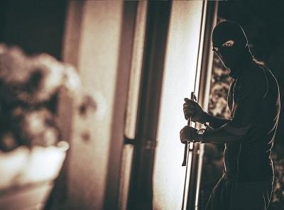 К чему снится ограбление дома во сне