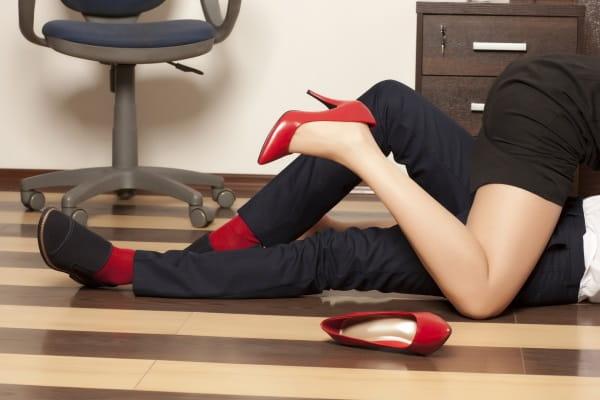 Заниматься любовь в офисе во сне Сонник  картинка