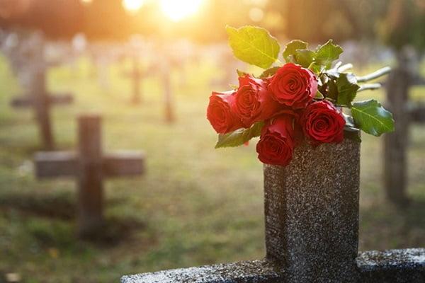 После смерти родного, что оставить, а что выбросить Вера и надежда  картинка