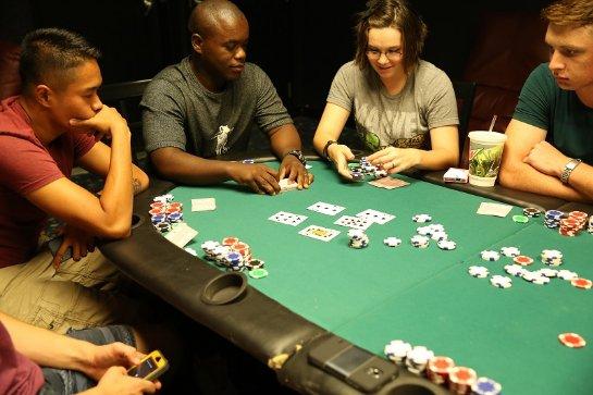 Блэкджек или покер - что выбрать