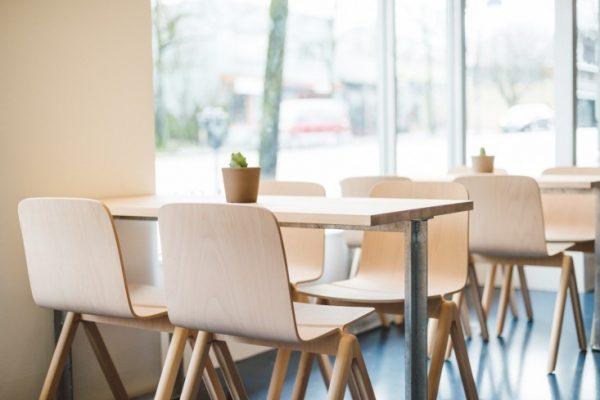 Широкий выбор стульев для кафе, баров и ресторанов